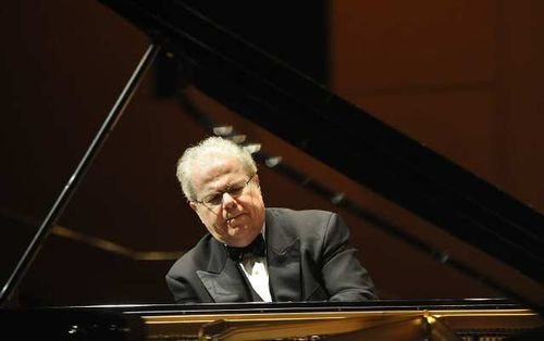 Grammy Award-winning piano virtuoso Emanuel Ax rendered a precise elucidation of Beethoven's Piano Concerto No. 2 in B-flat major, with ...