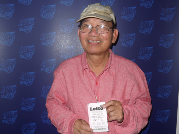 A Crest Hill man bought a winning lottery ticket at a Speedway gas station in Joliet. Xuan Ngo Thu bought ...
