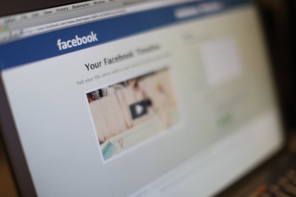 That's why Wood posted a plea on her local community's closed Facebook page on Saturday to track down the woman, ...