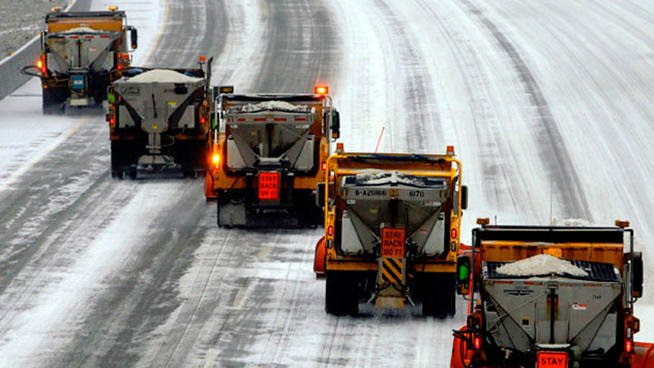 IDOT winter crews prepare for heavy snowfall on Illinois