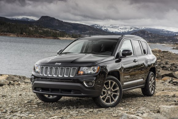 In the wake of almost one foot of snow, the 2014 Jeep Compass Limited 4X4 was a welcomed relief.