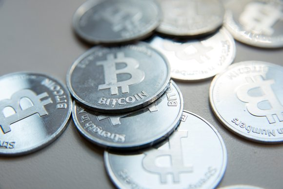 Advertisements for bitcoin and other virtual currencies will soon disappear from Google.