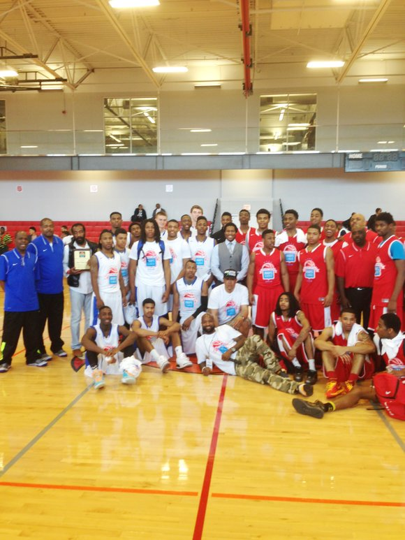 In an effort to help combat Chicago's violence, The 4th Annual Chicago United Hoops Classic (CUHC) High School Seniors All-Star ...