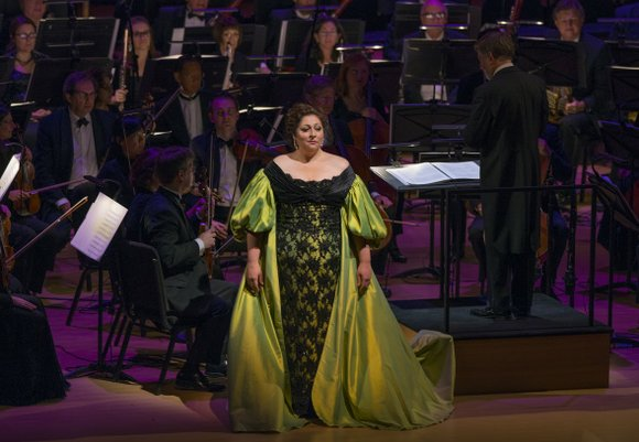 Lyric Opera invited 3563 of its nearest and dearest fans and supporters to dress up and celebrate its 60th birthday ...