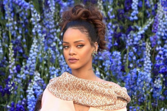 Rihanna is taking her love of fashion, hair and makeup to the next level: She is opening a beauty agency ...