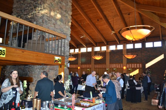 The Fireside Lodge of the William Tell Holiday Inn in Countryside, Illinois was the perfect setting for a Holiday themed ...