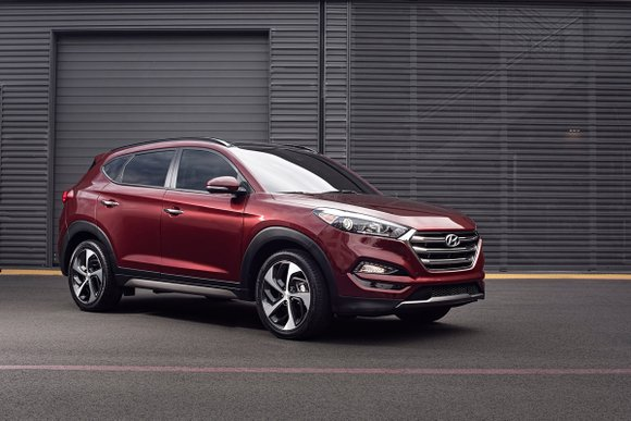 Often times, frills are overrated. That was the case with the 2016 Hyundai Tucson SE crossover.