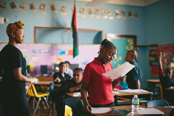 CHICAGO — Test scores suggest that the Barbara A. Sizemore Academy, an African-centered school, is struggling mightily. Its students in ...