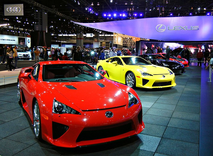 Chicago Auto Show To Feature Five Indoor Test Tracks To Enhance Show - Indoor car show