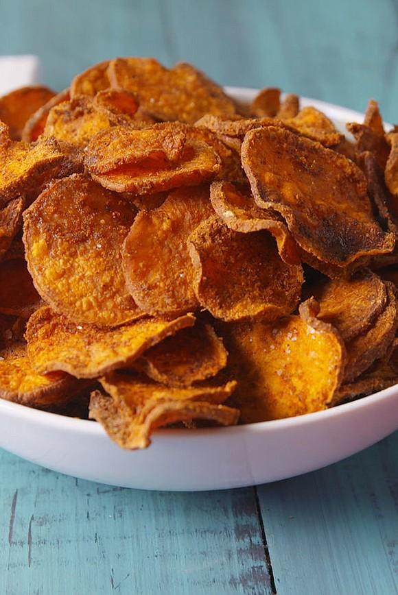 SERVINGS: 2-4 INGREDIENTS 2 medium sweet potatoes, thinly sliced 1 tbsp. vegetable oil 1 tbsp. cornstarch 1 tbsp. chili powder ...