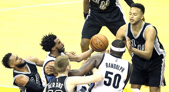 Game 3 goes to Memphis thanks largely to Zach Randolph's stabilizing force.