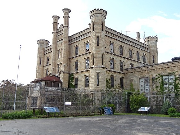 The City of Joliet Prison Committee confirmed Monday that west prison site cleanup dates are scheduled for May 19-20.