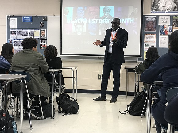 Thetimesweekly.com NBC Vice President and Washington DC Bureau Chief, Kenneth Strickland, visited students in the Black Student Union and US ...