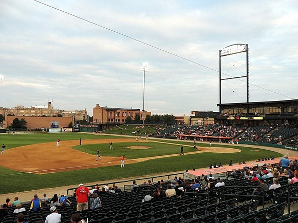 The Joliet Slammers announce a spring training game will be held at Coal City High School on Sunday, May 5th ...