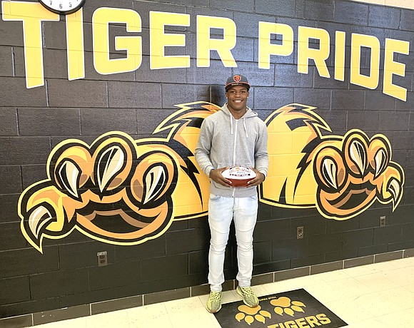 "The Chicago Bears named Trent Howland, a junior and running back at Joliet West High School, the Chicago Bears ""High ..."
