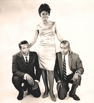 Norman Richmond, right, with 1960s doo wop group M&M and the Peanuts.
