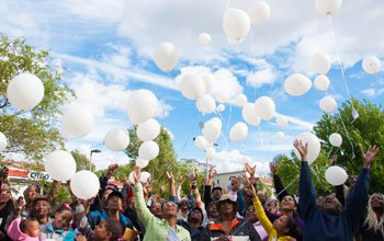 On Sunday, May 26, members of the community gathered at Jermaine Goffigan Park in Roxbury for a memorial event honoring all those who have lost their lives as a result of violence. As a part of the event, balloons were released, affixed with messages of love in tribute to the fallen.