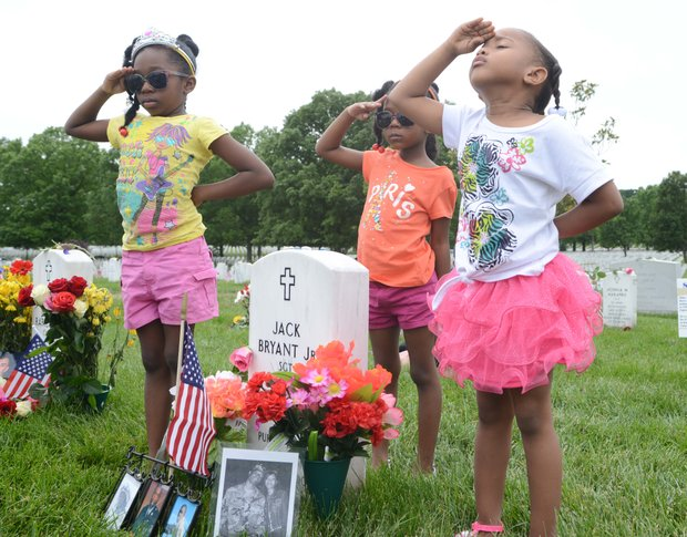 Memorial Day activities at Arlington Cemetery on Monday, May 27, 2013