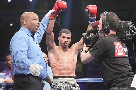 Anthony Peterson wins technical decision over Dominic Salcido.