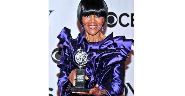 Cicely Tyson poses with her award for Best Actress in a Play for The Trip to Bountiful at the 67th Annual Tony Awards held in New York, Sunday.