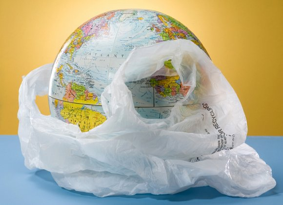 LOS ANGELES, Calif. — Plastic grocery bags would become a thing of the past in Los Angeles under an ordinance ...