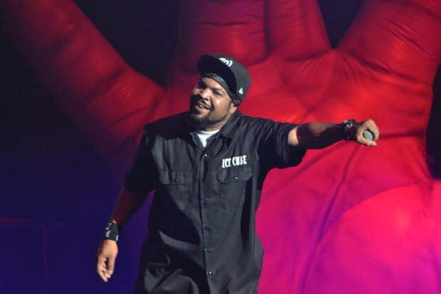 "Ice Cube is part of LLCOOL J's ""King of the Mic"" tour."