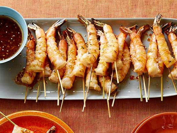 4 to 6 servings Ingredients: Wooden skewers (4-inch), 24 large shrimp