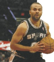 Tony Parker and Manu Ginobili played a personal game of two against five, which didn't help the Spurs.