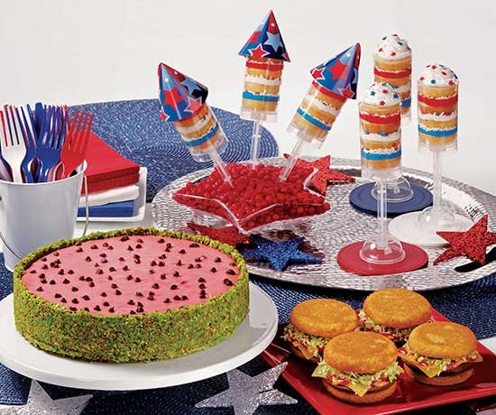 Fireworks don't have to be the only party element that makes guests ooh and ah during July 4th festivities. With ...