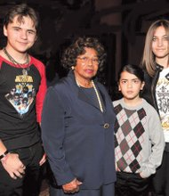 Michael, Blanket, Katherine and Paris Jackson.