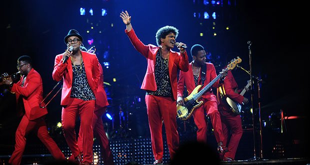 "Bruno Mars performed last month at the TD Banknorth Garden as part of his Moonshine Jungle Tour. His show featured a variety of musical styles and all his big hits, including songs from his new album, ""Unorthodox Jukebox."""
