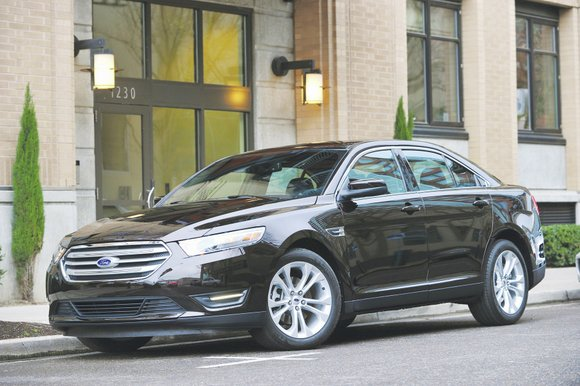 After spending close to a month in two different trim levels of the Taurus, we are pleased to report that ...