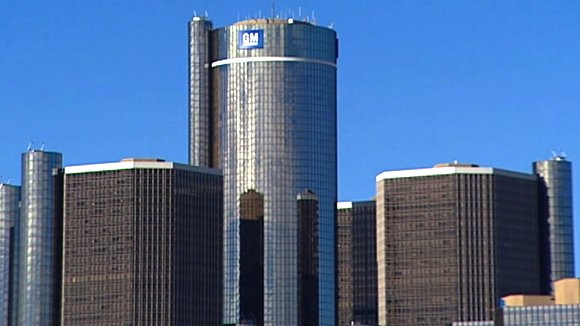 A federal judge blocked legal challenges to Detroit's bankruptcy filing on Wednesday pending a later ruling in the case.