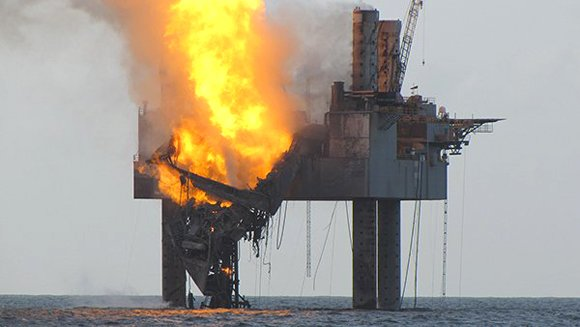 GULF OF MEXICO — The fire that severely damaged a drilling rig in the Gulf of Mexico subsided Thursday as ...