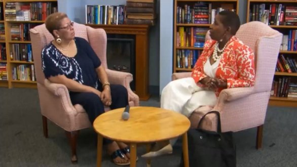 "Iyanla Vanzant (right) talks with Brenda Thompson, mother of R&B recording artist and reality TV star Syleena Johnson, on the July 27 episode of ""Iyanla: Fix My Life."" (Courtesy of oprah.com)"
