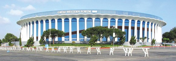 The company that owns Madison Square Garden announced plans today to spend $100 million to renovate the Forum in Inglewood ...