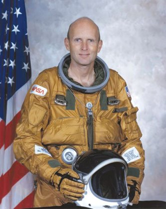 C. Gordon Fullerton, a NASA astronaut, research pilot and Air Force test pilot, died Wednesday after complications from a stroke ...