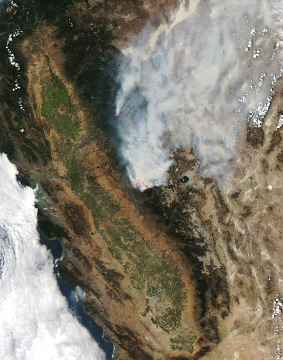A massive northern California wildfire that's threatening Yosemite National Park and San Francisco's key water and power sources grew Monday, ...