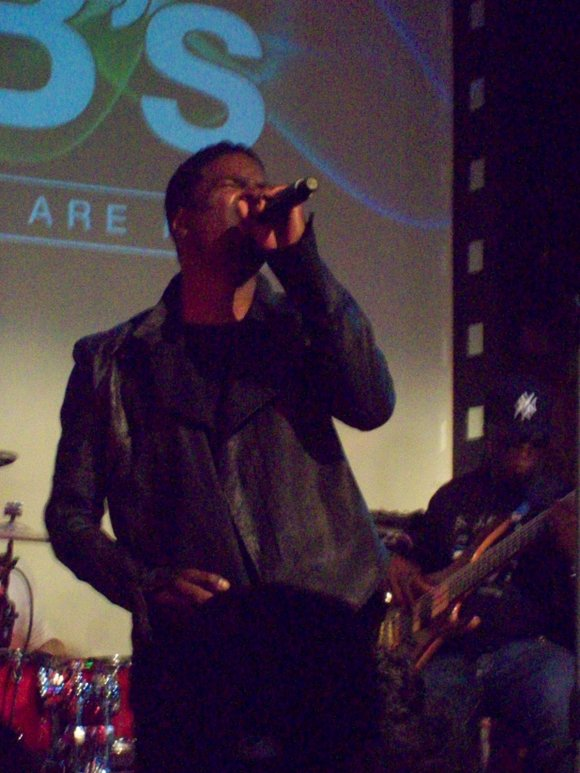 "R&B singers Tweet and Glen Lewis recently took the stage as part of the ""RnB Spotlight"" series held at SOB's ..."