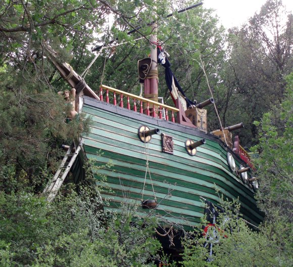 PHOENIX, Ariz. — The search is on for some unique property stolen from a home-built pirate ship in central Arizona. The Yavapai County Sheriff's deputies were called to the 600 block of Hill Drive in Prescott where the ship's owner said the suspects forced their way onto the ship and took off with more than a dozen items.