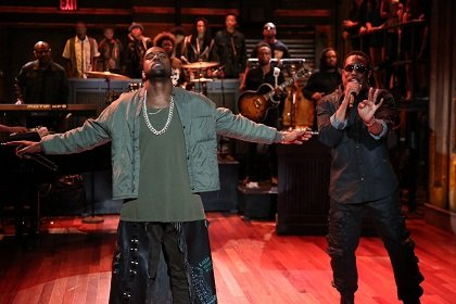 Now Kanye West knows how it feels to get upstaged, even if just for a few seconds.