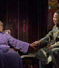 Carrie Watts, played by Cicely Tyson, is restless and wants nothing more than to return to her abandoned home in a Texas town called Bountiful. Her son, Judi, played by Cuba Gooding, Jr. also pines to return to his childhood home.