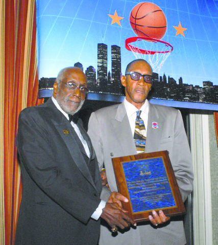 Harthorne Wingo and New York City Basketball Hall of Fame President Bob Williams