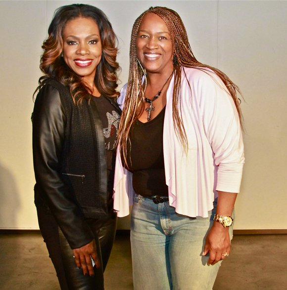 Actress activist Sheryl Lee Ralph takes a moment with West Coast Expo CEO Natalie Cole.