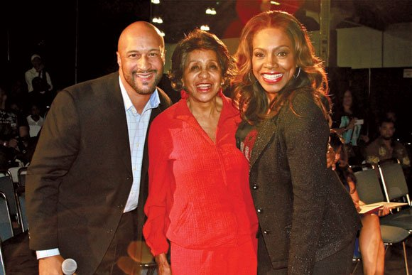 Marla Gibbs, center, with fashion show co-hosts Kevin Nash and Sheryl Lee Ralph.