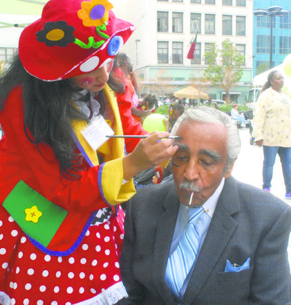 Rangel gets a face painting