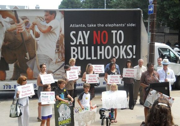 The Los Angeles City Council today voted unanimously to ban the use of bullhooks in wrangling elephants — a move ...