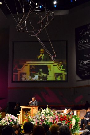 The Rev. Michael Ruff speaks at the funeral service for Sheila Stewart at University Park Baptist Church in Charlotte, N.C., on Oct. 30. Stewart, a longtime radio personality in D.C., was killed Oct. 24 in an automobile accident in Atlanta. (Paul Williams/Paul-3 Photography)