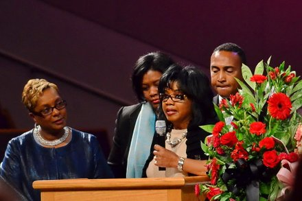 Peggy Morris, president and founder of Prince George's County, Md.-based Sisters4Sisters Network, Inc., speaks at the funeral service for Sheila Stewart at University Park Baptist Church in Charlotte, N.C., on Oct. 30. Stewart, a longtime radio personality in D.C., was killed Oct. 24 in an automobile accident in Atlanta. (Paul Williams/Paul-3 Photography)