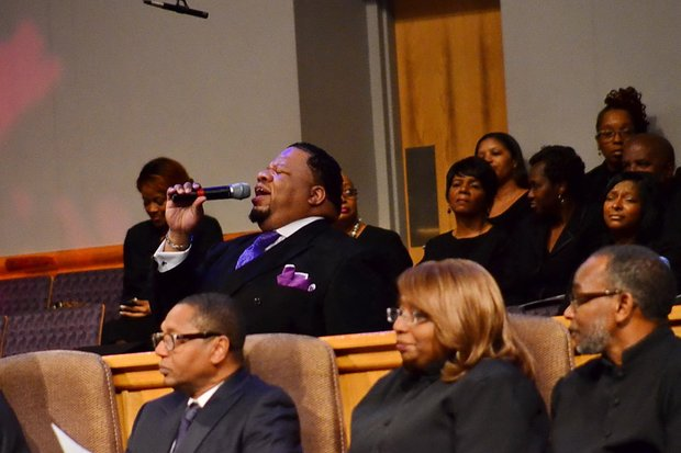 Carlos Barretts performs at the funeral service for Sheila Stewart at University Park Baptist Church in Charlotte, N.C., on Oct. 30. Stewart, a longtime radio personality in D.C., was killed Oct. 24 in an automobile accident in Atlanta. (Paul Williams/Paul-3 Photography)